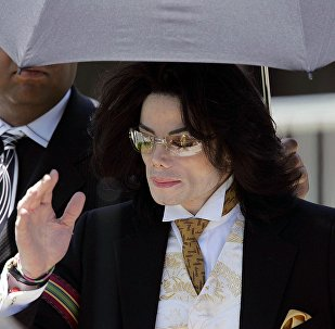 Американская поп-звезда Майкл Джексон, 3 июня 2005 года