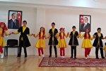 В школе № 1 имени И.Гаибова города Гянджи состоялся фестиваль культур народов России и Азербайджана