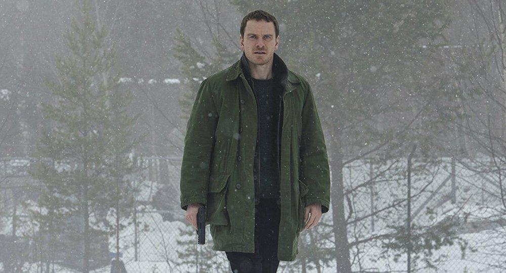 В русский прокат выходит названный провальным фильм «Снеговик»