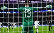 Матч Карабах-Челси. Эден Азар забивает пенальти