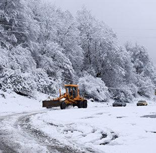 Габалу засыпало снегом