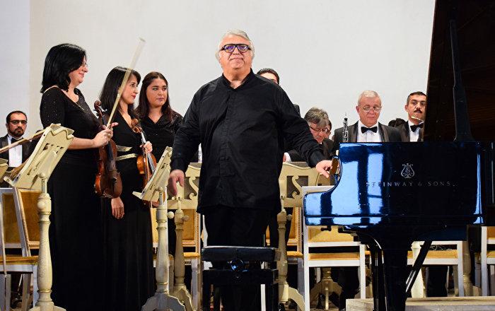 Предъюбилейный концерт народного артиста Азербайджана Фархада Бадалбейли