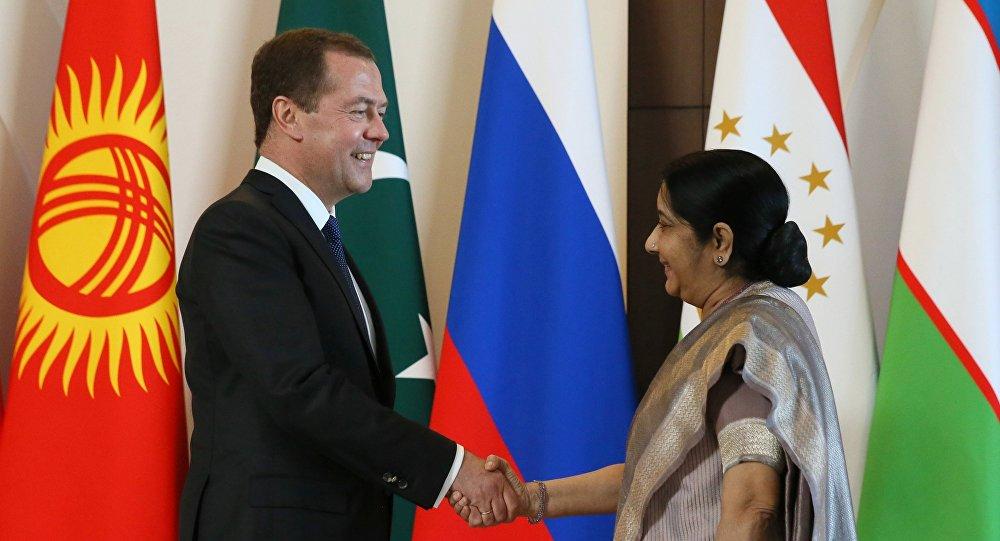 Абдулла Арипов примет участие в совещании премьеров ШОС вСочи