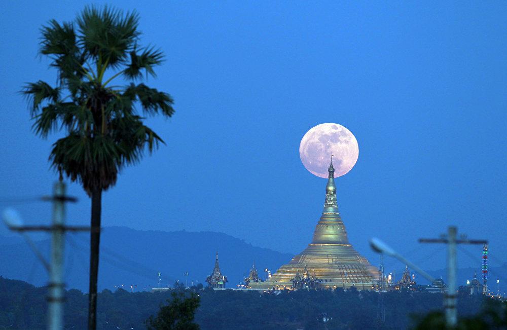 Луна приблизилась кЗемле нарекордные 357 тыс. километров