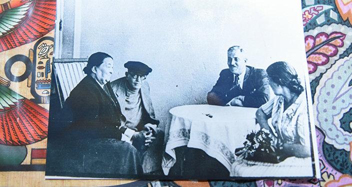 Фото из книги писательницы Регины Красивской Легенда города Баку – Наргиз