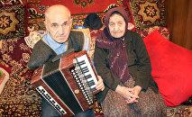 Айдын Мустафаев с матерью Фатимой ханым