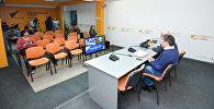 Видеомост Баку-Москва-Астана в мультимедийном пресс-центре Sputnik Азербайджан, посвященный проблемам Каспия