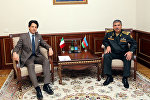 Министр обороны Азербайджанской Республики генерал-полковник Закир Гасанов встретился с чрезвычайным и полномочным послом Итальянской Республики в нашей стране Аугусто Массари