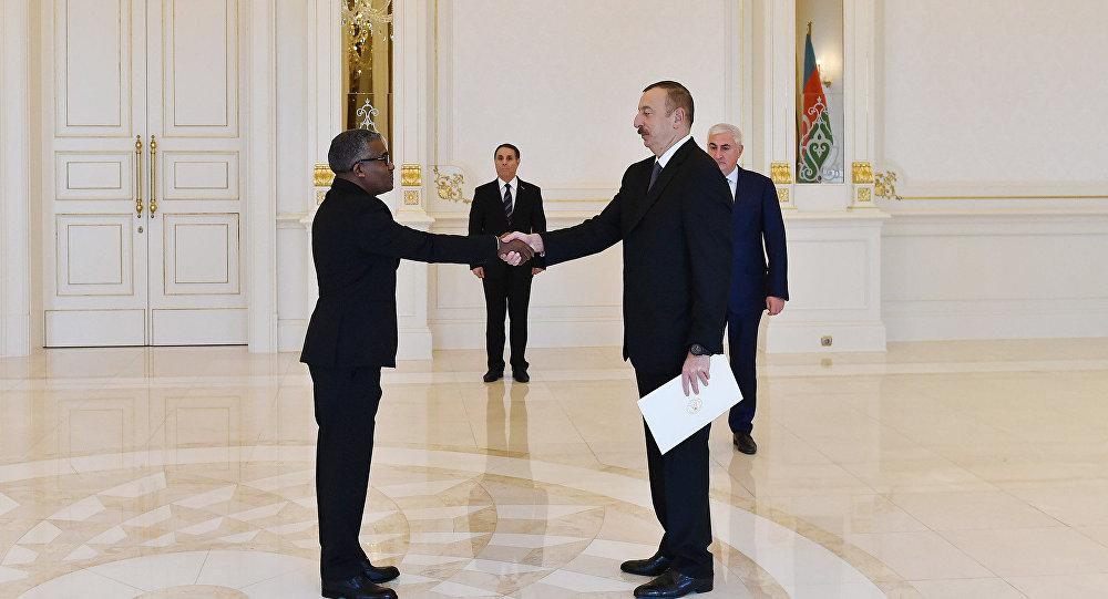 Ильхам Алиев принял верительные грамоты новоназначенного посла Судана в Азербайджане