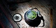 Otlardan dəmlənmiş çay, arxiv şəkli