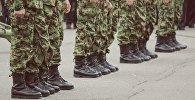 Солдаты, фото из архива