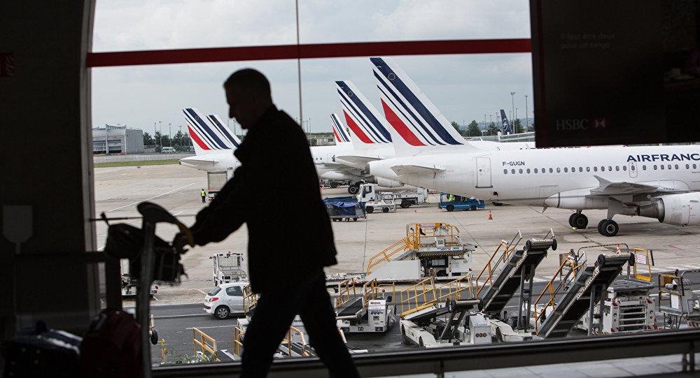 Французский бомж похитил 300 тыс. евро урассеянных инкассаторов