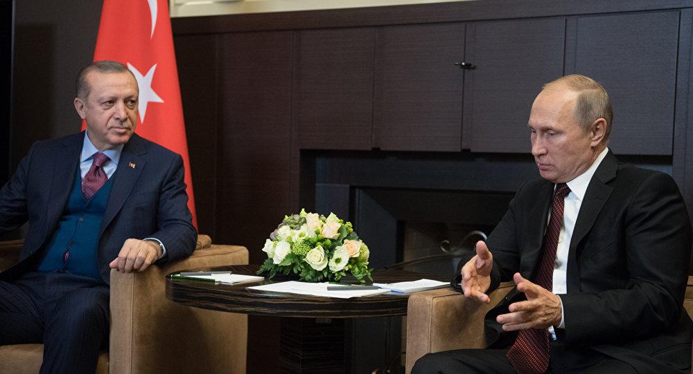 Президент РФ Владимир Путин и президент Турции Реджеп Тайип Эрдоган во время встречи, Сочи, 13 ноября 2017 года