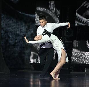 Перформанс азербайджанца на сцене Ты супер! Танцы