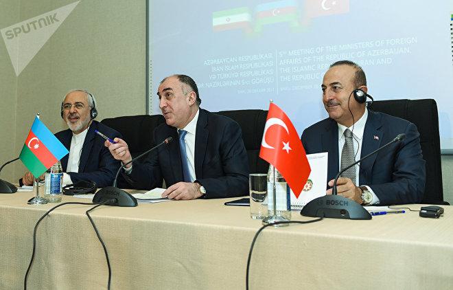Трехсторонняя встреча глав МИД Азербайджана, Турции и Ирана - Эльмара Мамедъярова, Мевлюта Чавушоглу и Мохаммада Джавад Зарифа