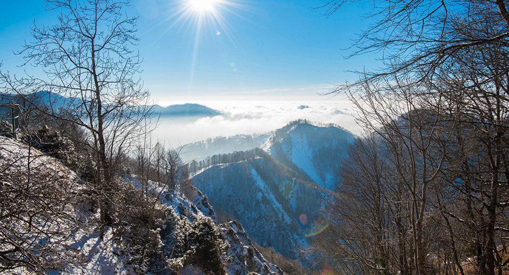 Горный хребет Большого Кавказа, фото из архива