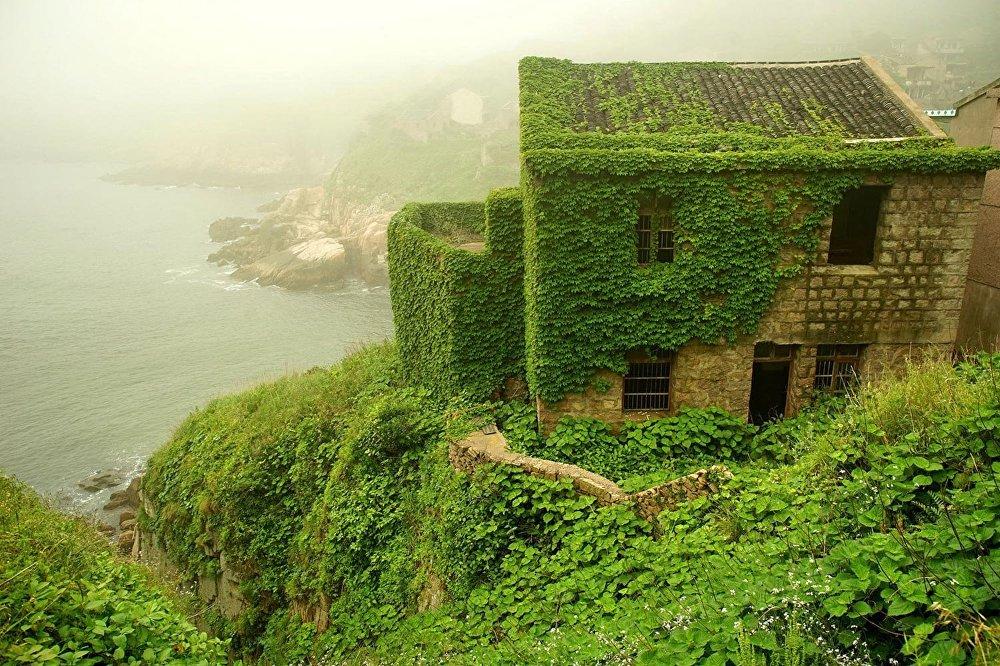 Çinin Qouqi adasında yerləşən atılmış kənd
