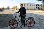 Ruslan Nəbiyev və onun düzəltdiyi velosiped