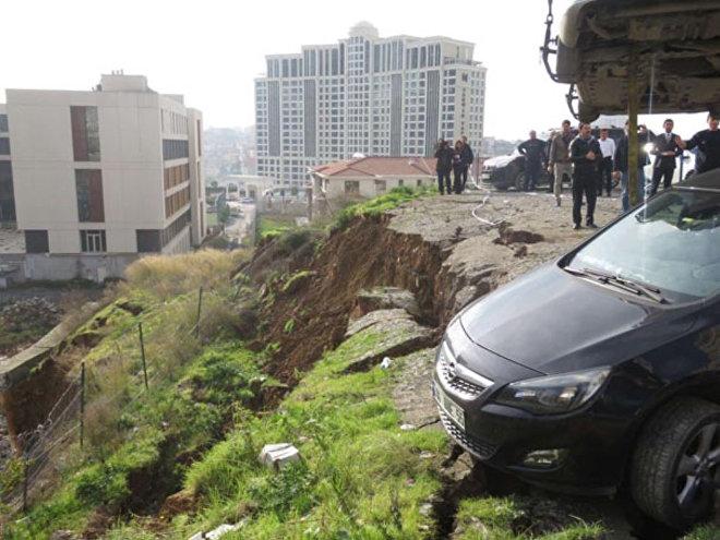 İstanbulda torpaq sürüşməsi