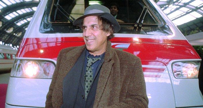 Адриано Челентано в 1995 году
