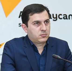 Координатор национальной версии Википедии, завотделом Центральной научной библиотеки НАНА Эльнур Эльтурк