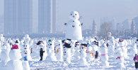 2018 снеговиков в честь нового года слепили в парке китайского Харбина