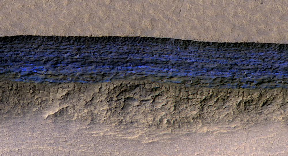 Mars planetində çoxsaylı laylardan ibarət buzlaqlar aşkar edilib