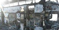 Сгоревший в Иргизском районе автобус, архивное фото