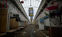 Территория торгового центра Садовод в Москве, фото из архива