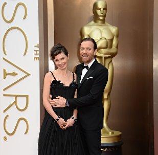 Юэн МакГрегор с супругой Евой Мавракис, 2 марта 2014 года