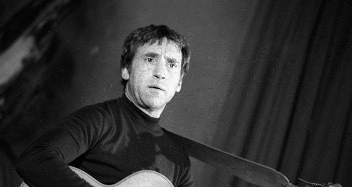 Лауреат Государственной премии, актер театра и кино Владимир Высоцкий