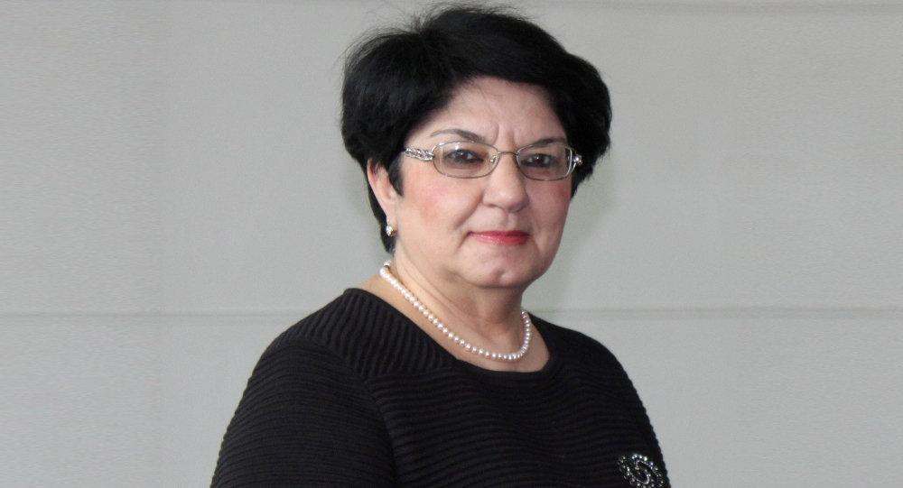 AMEA Şərqşünaslıq İnstitutunun aparıcı elmi işçisi, tarix elmləri doktoru Solmaz Tohidi