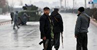 Сотрудники афганской службы безопасности возле военной академии в Кабуле