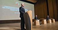 Министр экономики Шахин Мустафаев на конференции, посвященной итогам четвертого года реализации Государственной программы социально-экономического развития регионов Азербайджана