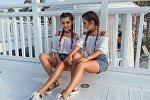 Азербайджанские танцовщицы, сестры-близняшки Айдан и Фидан Багировы