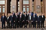 Президент Ильхам Алиев принял делегацию международных профсоюзов и профсоюзов зарубежных стран