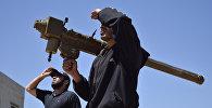 Боевики в Сирии с переносным зенитным ракетным комплексом, фото из архива
