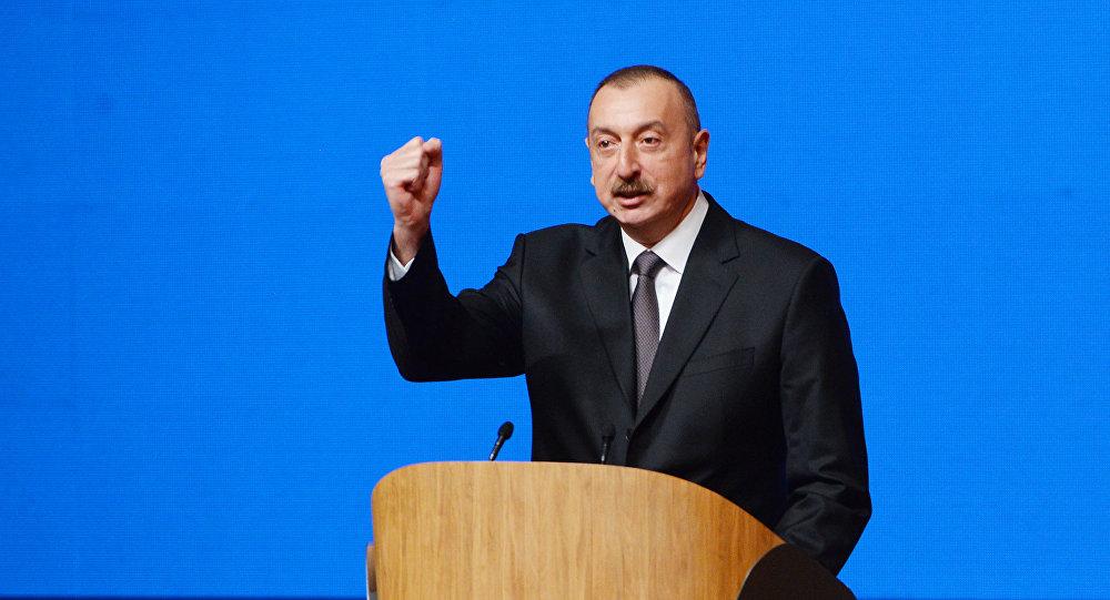 Ильхам Алиев выступил с речью на съезде с участием делегатов, представляющих более 700 тысяч членов ПЕА