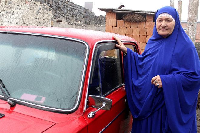 Водить машину Зулейха ханым научилась еще в девятом классе
