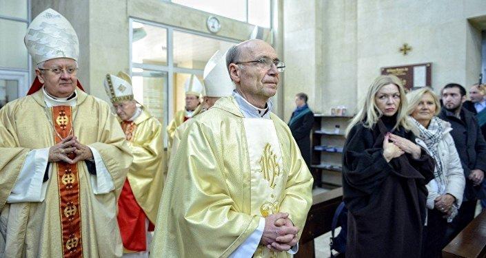 Церемония, посвященная принятию сана епископа ординарием католической церкви в Азербайджане