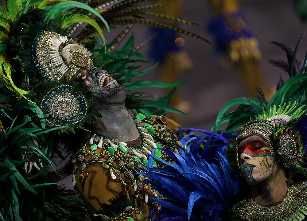 Revellers from the Vila Maria Samba School take part in Carnival celebrations at Anhembi Sambadrome in Sao Paulo, Brazil February 11, 2018