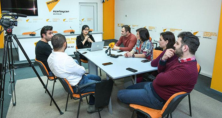 Обсуждение в мультимедийном пресс-центре Sputnik Азербайджан, приуроченное к Международному дню радио