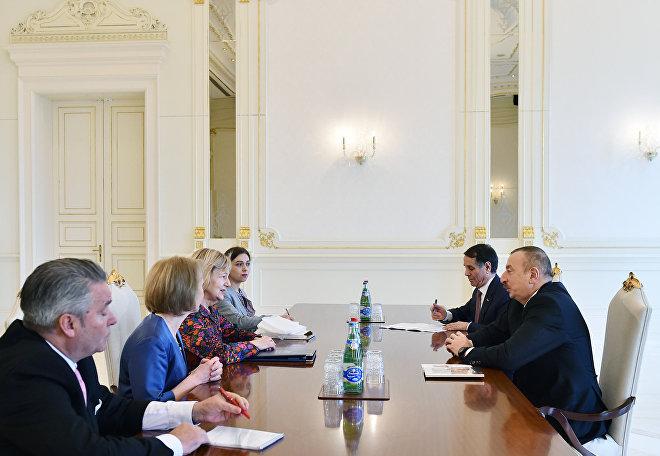 Президент Ильхам Алиев принял торгового посланника премьер-министра Великобритании