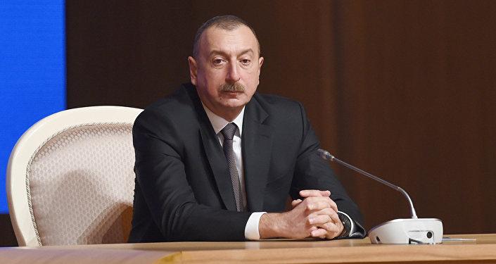 Президент Азербайджанской Республики Ильхам Алиев в  ходе VI съезда Партии Ени Азербайджан. Баку, 8 февраля 2018 года