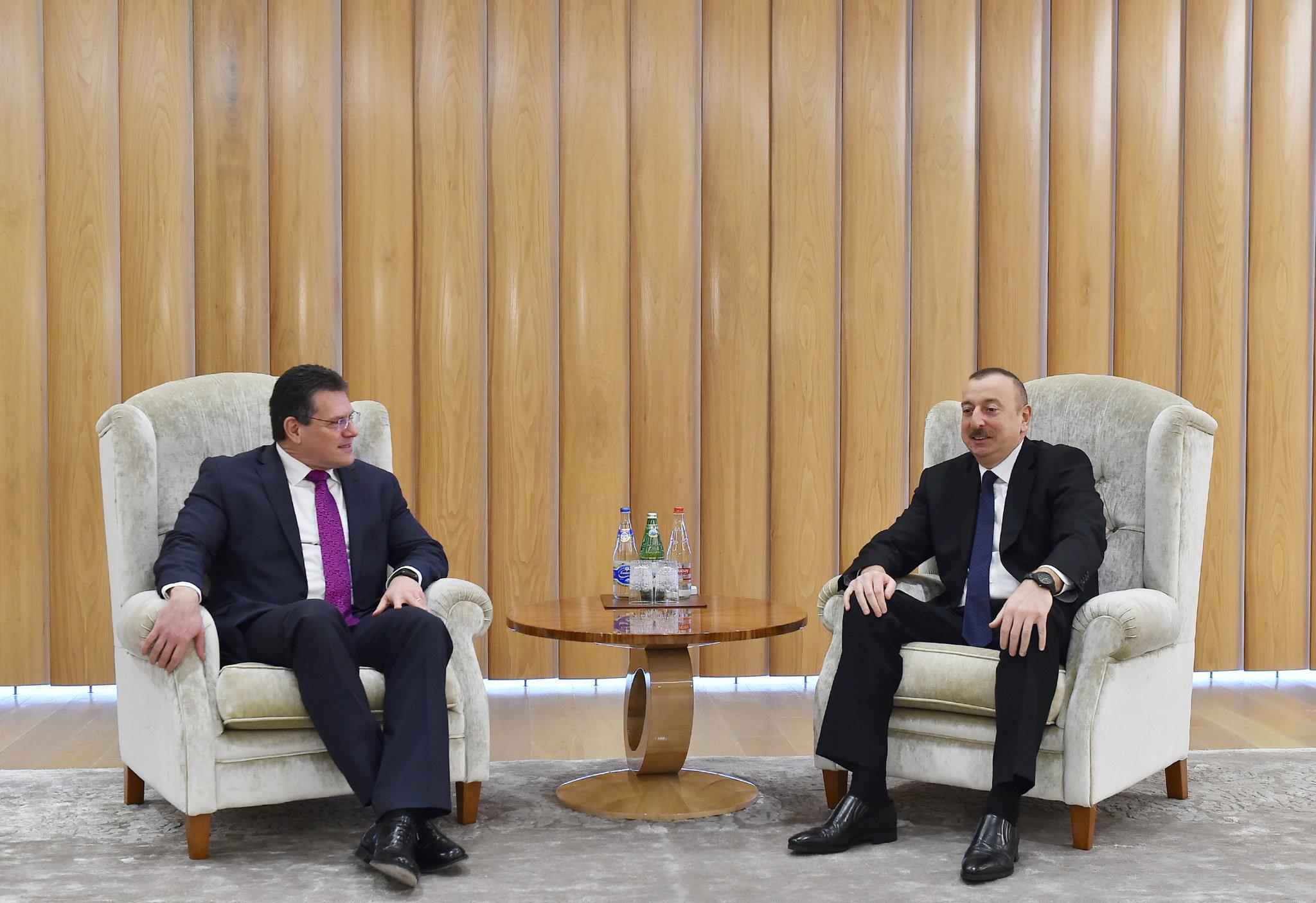 Ильхам Алиев встретился с вице-президентом Европейской комиссии по Энергетическому союзу, сопредседателем Консультативного совета Южного газового коридора Марошом Шефчовичем