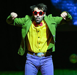 Спектакль Маленький принц театра Молчи и танцуй на сцене Дворца им. Гейдара Алиева