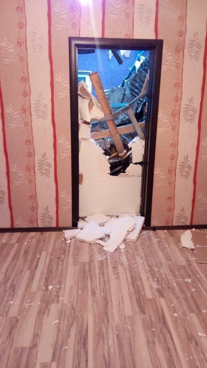 Разрушенный в результате оползня дом на Баилово