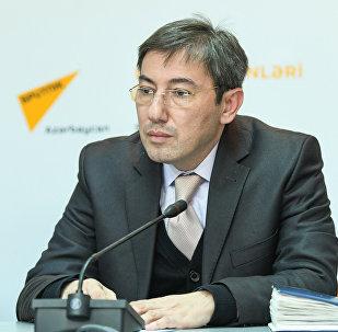 Азербайджанский политолог Ильгар Велизаде на пресс-конференции в мультимедийном пресс-центре Sputnik Азербайджан