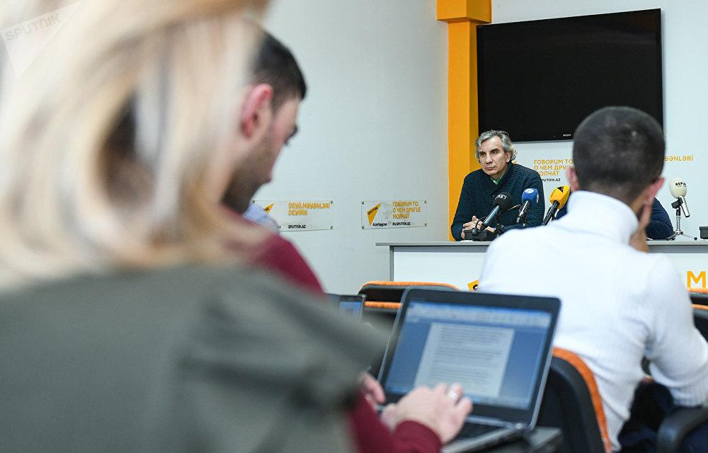 Конференция на тему Будущее азербайджано-российских отношений в мультимедийном пресс-центре Sputnik Азербайджан