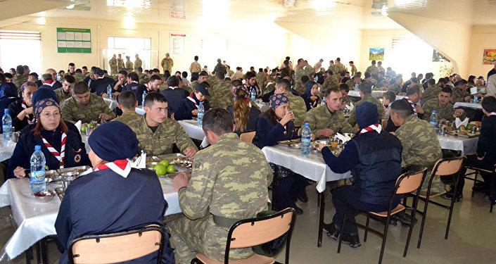 Скауты встретились с солдатами, проходящими службу в прифронтовой зоне